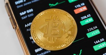 Crypto Exchanges See Biggest Bitcoin Outflow Since November 2020